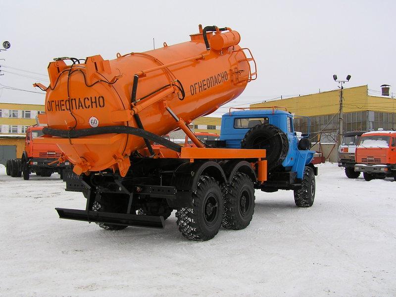 Автоцистерна для сбора нефтепродуктов АКНС-10 «Урал 4320-1912-60М»