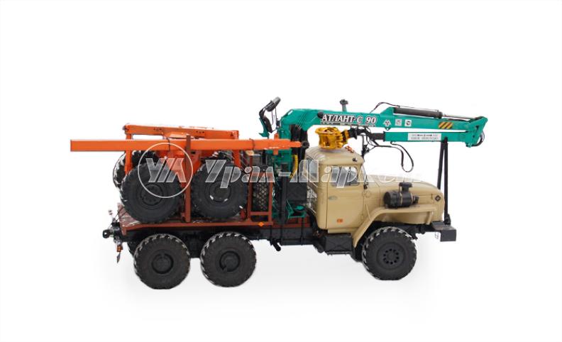 Лесовоз Урал 55571-1151-60М с гидроманипулятором и прицепом, общий вид