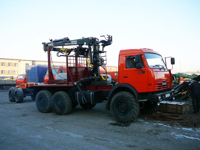 Лесовозный тягач «Камаз 43118» с гидроманипулятором ОМТЛ 70.02