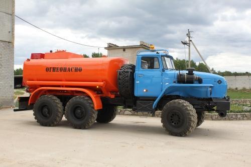 Бензовоз АЦ-9 «Урал 5557-1112-60М»