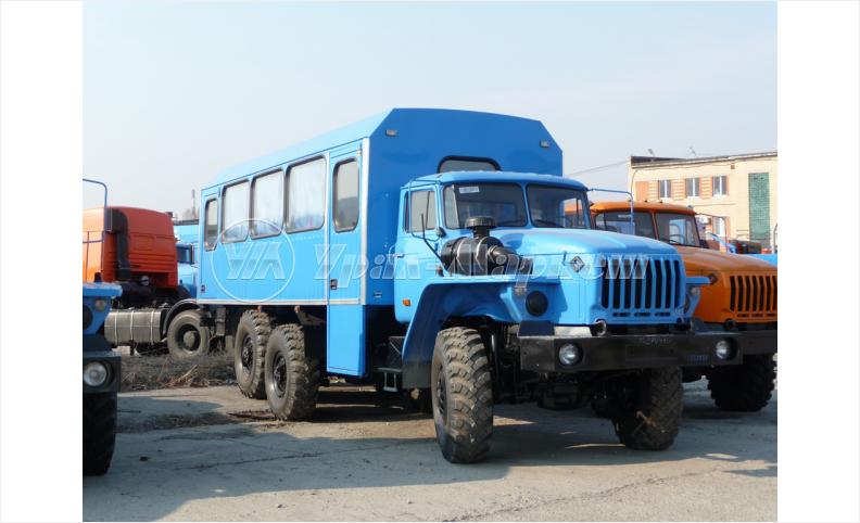 Вахтовый автобус «Урал 3255»